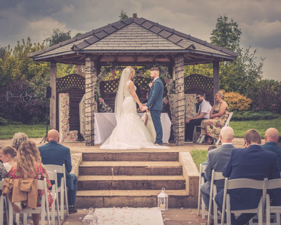 037-Nantwich-wedding-photographer-cheshire-0004